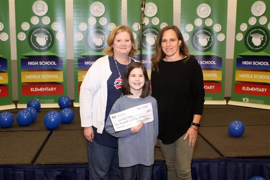 Arcadia Students Donate to United Way